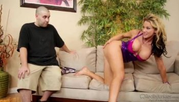 Beautiful Zoey Monroes pussy gets squirt